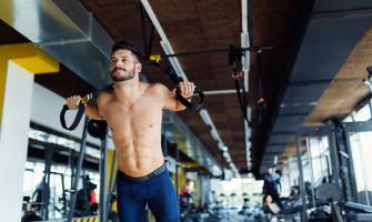 TRX, η γυμναστική που υπόσχεται γραμμωμένο και δυνατό σώμα